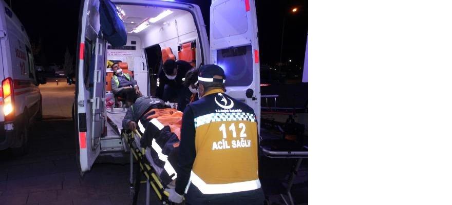 otoyol-iscilerini-tasiyan-minibus-devrildi-14-13686101_o.jpg